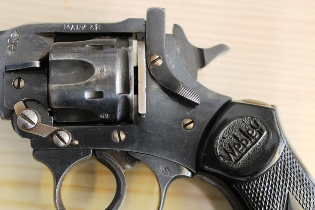 how to break down a webley mark vi