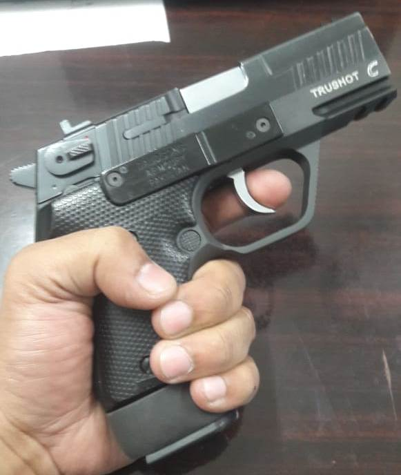 Name:  DSA TRUSHOT COMPACT WITH 15 ROUNDS MAGAZINE.jpeg Views: 422 Size:  33.6 KB